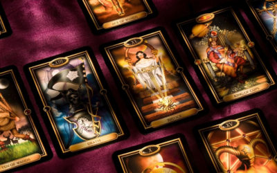 Apprendre le tirage en croix avec le Golden Universal tarot