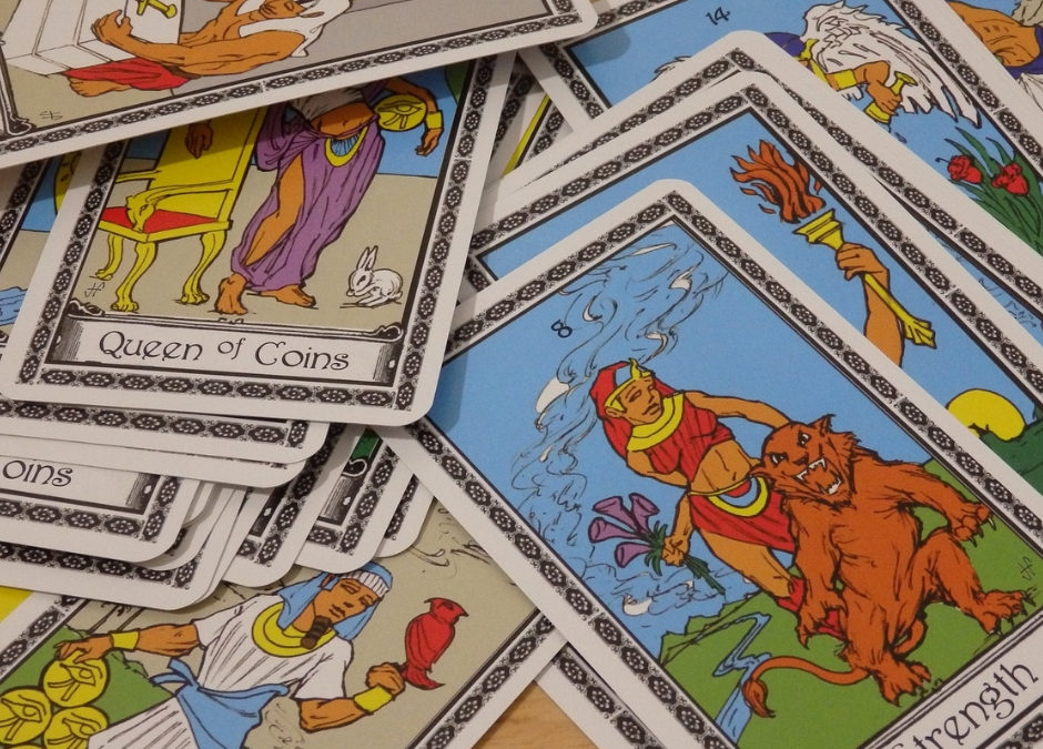 Apprendre le Tarot Voyance : quel tirage de tarot pour commencer à tirer les cartes ?
