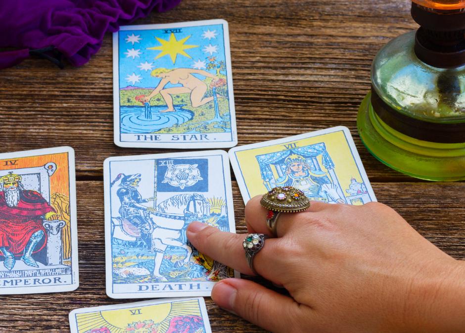Apprendre le Tarot Voyance : Comment se tirer les cartes pour soi même?