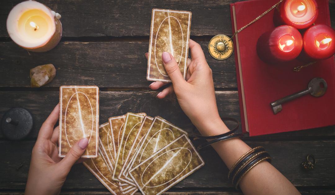 Apprendre le Tarot Voyance : Comment réaliser un tirage conseil?