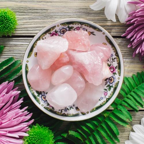 4 manières d'utiliser les bienfaits émotionnels du quartz rose
